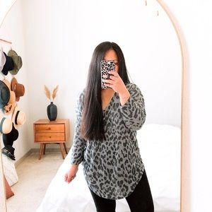 Fab'rik Gray/Black Cheetah Pullover Top